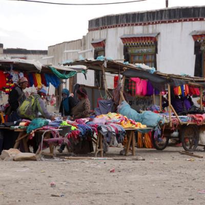 Market in Lao Tingri