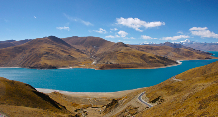 Yamdrok Tso Lake seen from the Kamba La pass